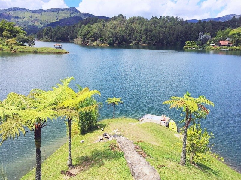 What to do in Guatape Colombia - lake
